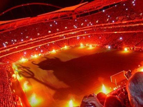 Estádio da Luz, (Iþýk Stadý)
