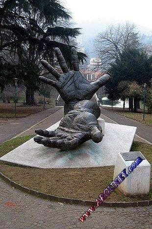 Büyüleyen heykeller