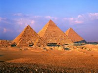 Kahirede bulunan Keops piramiti hakkýnda